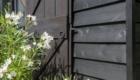 Detail buitendeur Cottage De Heeren van Tuil