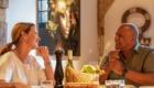 Man en vrouw aan de ontbijttafel van De Heeren van Tuil
