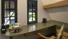 Kamer 3 van B&B De HEEREN van TUIL schrijftafel
